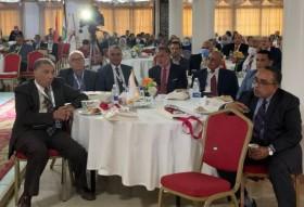 الدكتور محمد عامر المارديني  رئيس جامعة الأندلس الخاصة للعلوم الطبية في صورة تذكارية مع الأمين العام لاتحاد الجامعات العربية . بعد إلقاء محاضرته
