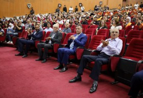 معرض صور حفل تخرج كلية طب الأسنان 2020-2021