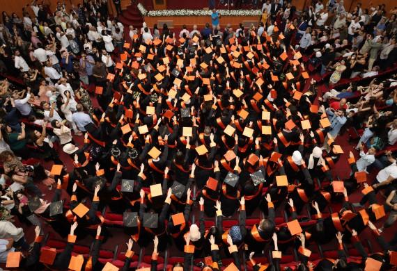News: Die Abschlussfeier der Fakultät für Pharmazie für das akademische Jahr 2020-2021